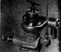 Рис. 74. Компрессионный двигатель второй категории МК-14