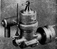 Рис. 75. Двигатель МК-14м (вариант с водяным охлаждением)